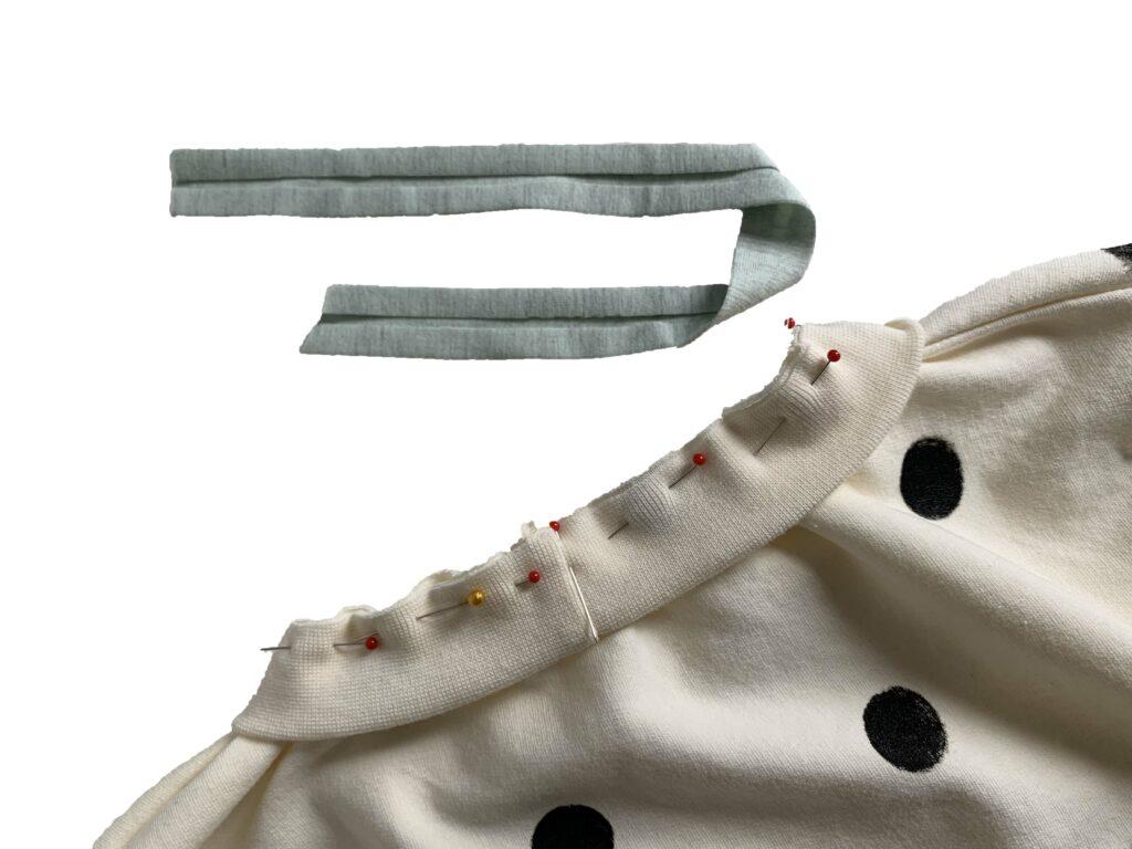 Halsschaum Schrägband